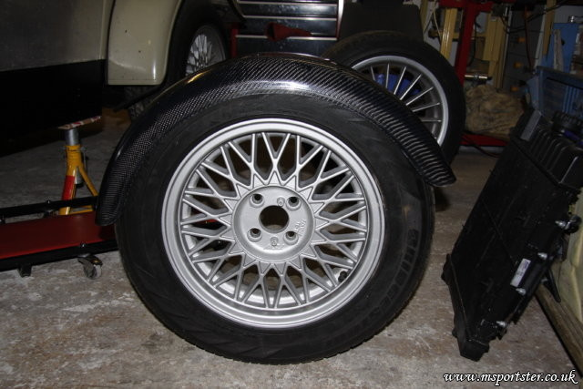 <p>Side view on a 205/60/R15 tyre.</p>